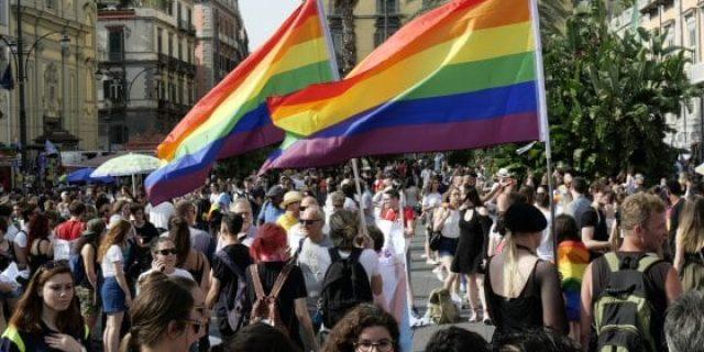 In Migliaia al Napoli Pride