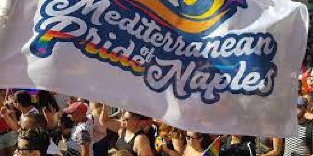 Napoli, ragazzo omosessuale aggredito dopo il Gay Pride